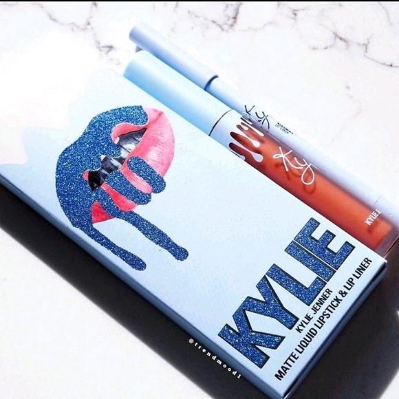 ❄️ Kylie Kissmas Matte Lip Kit❄️